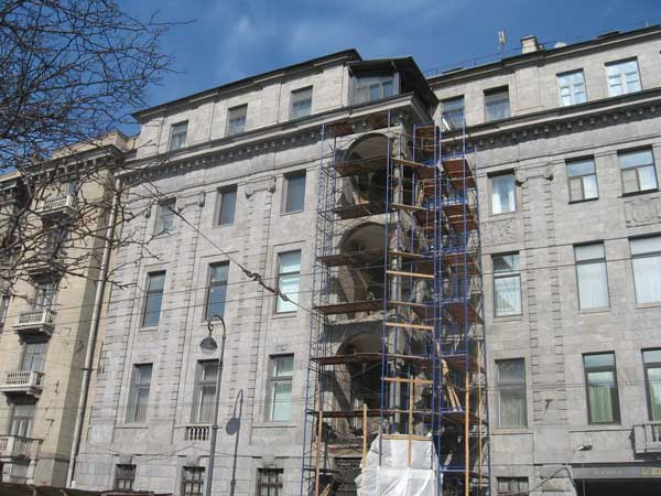 Навесной фасад при ремонте зданий